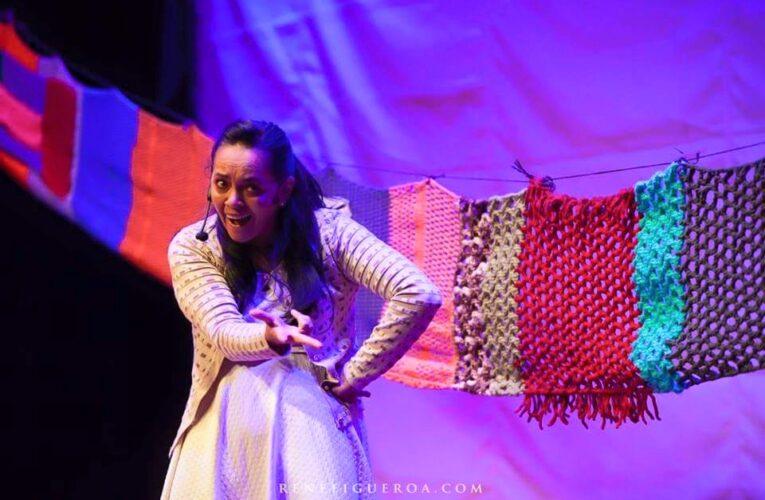 Juana Estrella, más de 30 años en el teatro. Ella es fulgurante en las tablas.